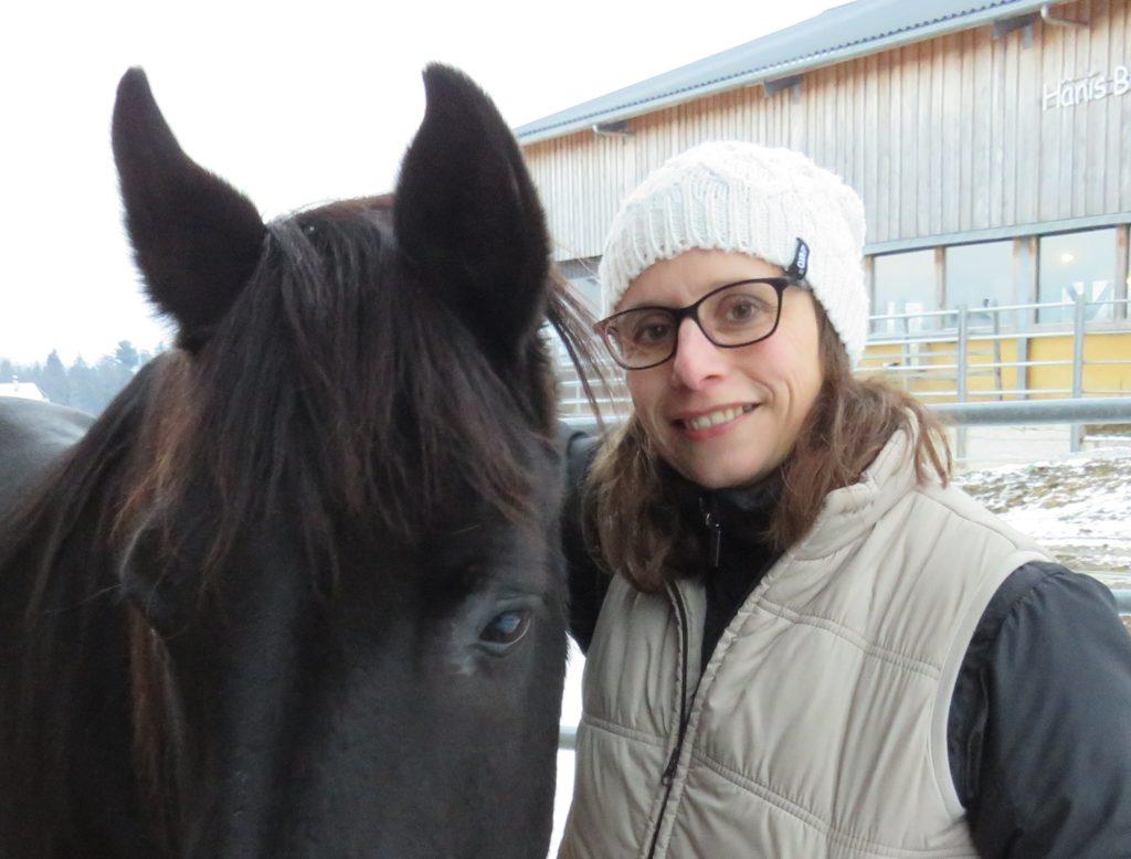 Tiershiatsu Shiatsu Pferd Monika Wenger Seeland Tiertherapie Energiearbeit